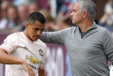 """Sanchez lộ mặt """"cừu đen"""" MU: Phản Mourinho bỏ túi hơn nửa tỷ đồng"""